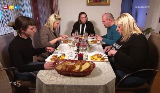'Večera+za+5+na+selu'+večeras+u+20+sati+na+RTL-u!+(thumbnail)