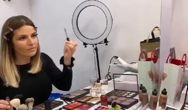 Antonija Blaće se šminka za '10 pitanja' (thumbnail)