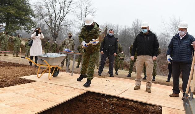 Na slunjskom Poligonu za šest mjeseci nova ambulanta - grade naši i američki vojnici, financira SAD