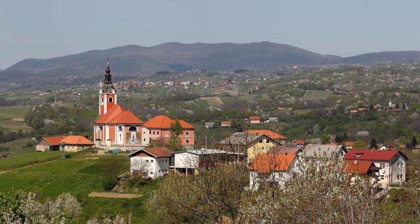 409 škola u Hrvatskoj ima manje od 10 učenika: RTL Direkt u školi u Vivodini kod Ozlja koja je nekad imala 350, a sada samo 14 đaka