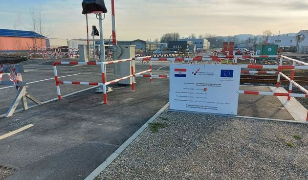 Grad Ozalj - jedina lokalna jedinica u Hrvatskoj koja je gradila pružni prijelaz, gradonačelnica Lipšinić: Bilo je upitno financiranje cijelog projekta, ali uspjeli smo!