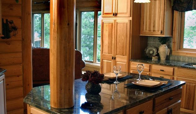 Mramor: Otopinom sode i vode očistite vašu mramornu radnu površinu u kuhinji.
