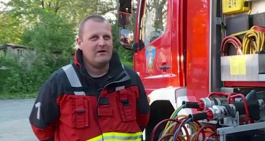 Samo minuta im je potrebna kako bi bili spremni za akciju u punoj opremi: Naši vatrogasci slave svoj dan
