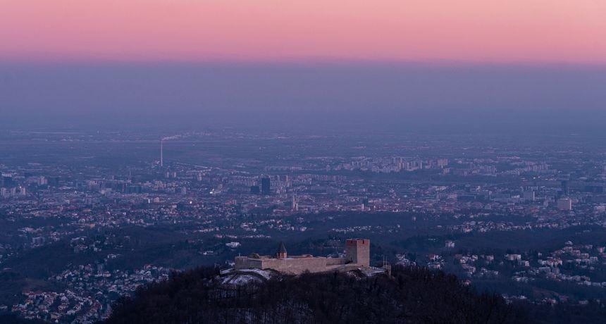 Očarat će vas prekrasna fotografija Medvedgrada i panorame Zagreba!