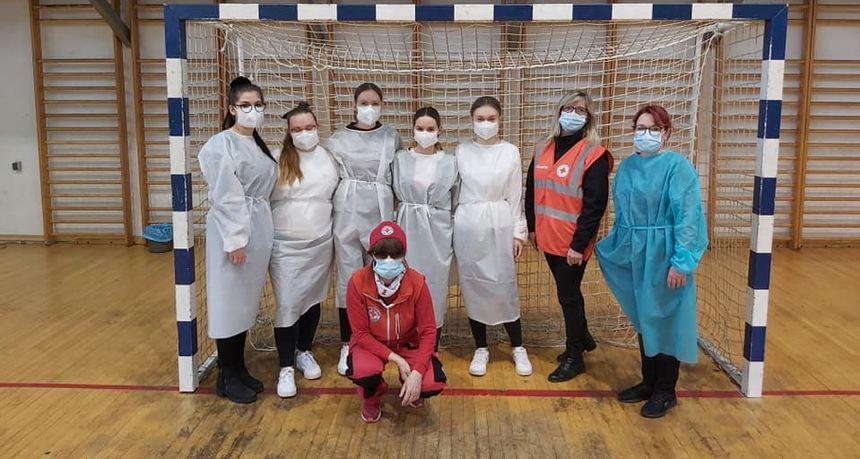 POMAGALI POTREBITIMA Volonteri medicinske struke u akciji masovnog cijepljenja u Čakovcu