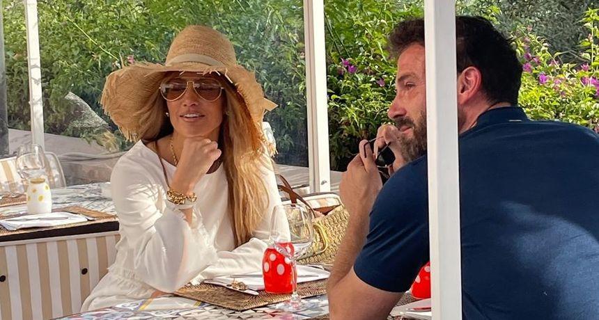 Jennifer Lopez i Ben Affleck stigli u Italiju: Prekrasni prošetali Caprijem držeći se za ruke