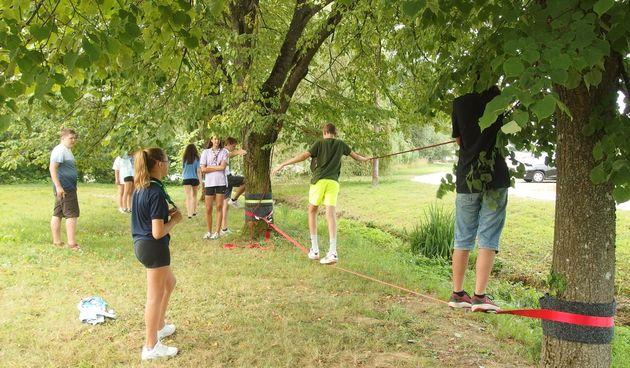 Izviđači iz Slovenije, Rusije, Italije i Hrvatske u sklopu Erasmusa logoruju na Mrežnici u Belavićima i uče o zaštiti prirode i europskim vrijednostima