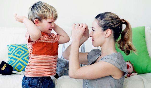 Je li vaše dijete buntovno? 10 fraza koje mogu smiriti uzrujano dijete