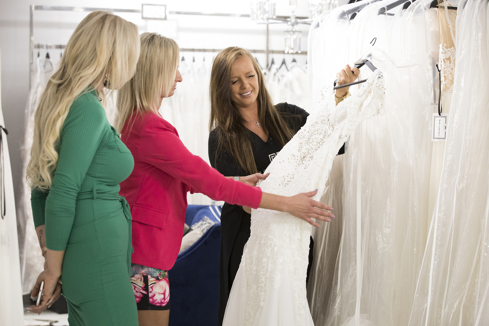 Brak na prvu - proba vjenčanica i svadbenih odjela