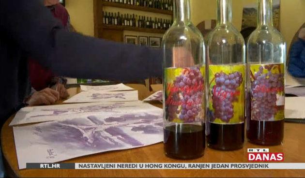 Neobučna slikarska kolonija na Krku - umjetnici kist umaču u vino (thumbnail)