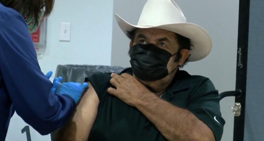 Pola odrasle populacije SAD-a dobilo barem jednu dozu cjepiva protiv covida 19
