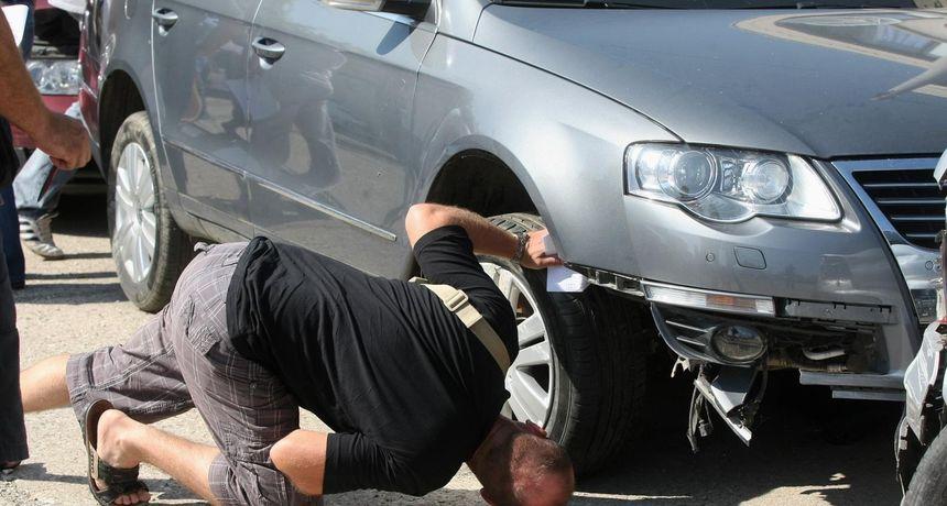 Grad Osijek prodaje vozila! Cijene od 102 kune za moped do 12 tisuća za Mercedes