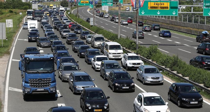 Godinu 2020. dileri auta pokušat će zaboraviti: Registrirano ih je tek 36.084, gotovo upola manje nego u 2019.