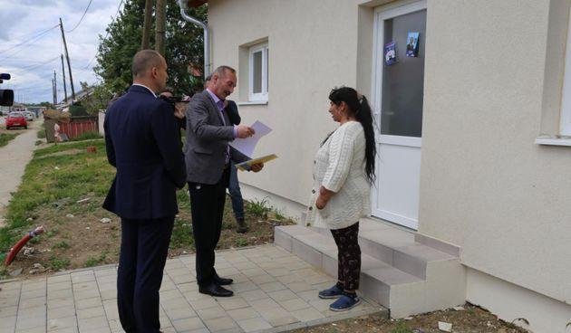Uz pomoć EU izgrađeno 58 novih kuća u romskom naselju u Dardi, uskoro završetak još 29 kuća