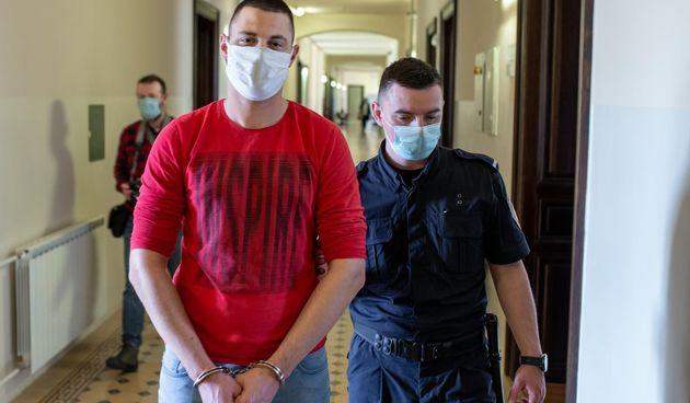 Zbog brutalnog ubojstva sjekirom u Osijeku posinku 12 godina zatvora