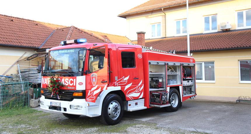 FOTO U DVD Pribislavec stiglo novo vozilo: 'Želimo ga koristiti više za vježbe, a manje za požare'