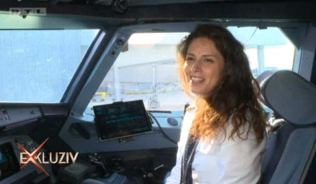 Ima samo 30 godina i jedna je od četiri pilotkinje naše aviokompanije: 'Ništa mi nije stresno' (thumbnail)