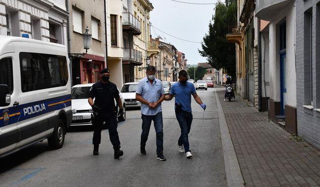 Slavonski Brod: Vozač autobusa u pratnji policije priveden u Županijsko državno odvjetništvo