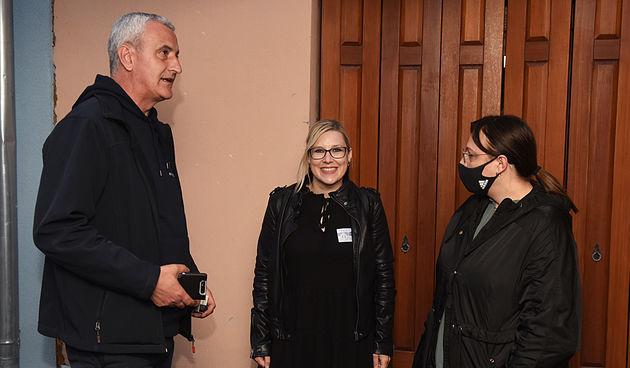 Izborna noć u Karlovcu - atmosfera u stožerima - 16. svibnja 2021.