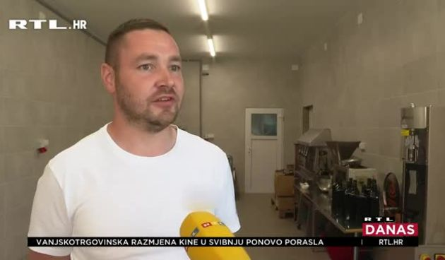 Zagorci se mogu pohvaliti najboljim bučinim uljem u Hrvatskoj, ali i šire: 'Nisam nikad očekivao da bi baš mogao biti šampion' (thumbnail)