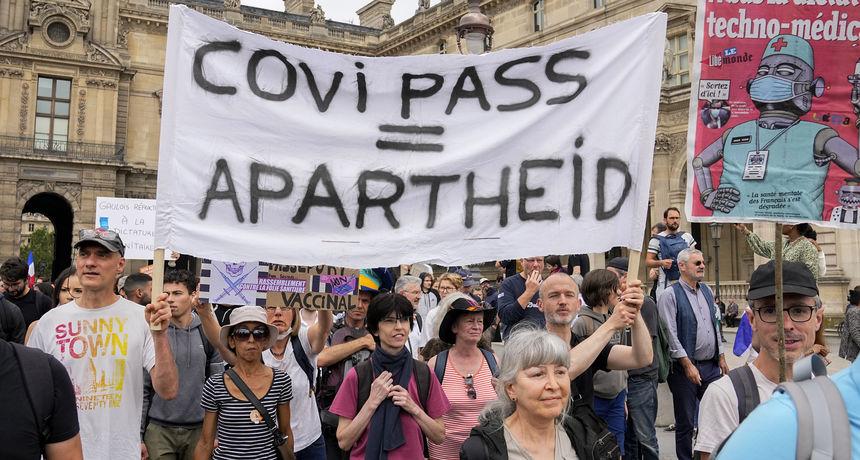Prosvjedi u Francuskoj protiv covid potvrda: Mahali su transparentima 'Prste dalje od mog prirodnog imuniteta'