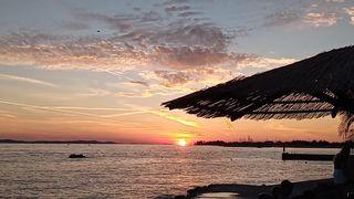 Zalazak sunca na kupalištu Jadran (thumbnail)