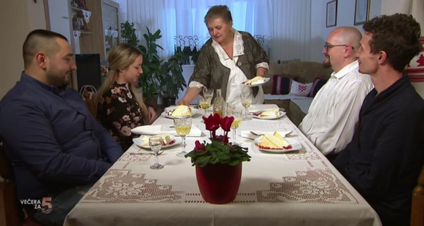 Slastičarka Janja oduševila je svojim desertom: Evo recepta za tortu od sira!