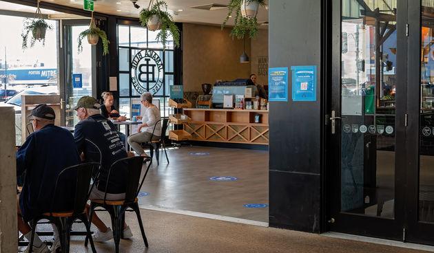 Australija korona free, kava, kafići