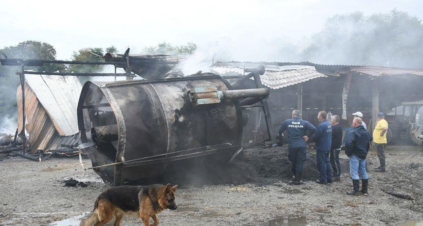 UZNEMIRUJUĆE Stravični prizori na OPG-u koji je progutala vatra: Izgorjela živa stoka, šteta je ogromna
