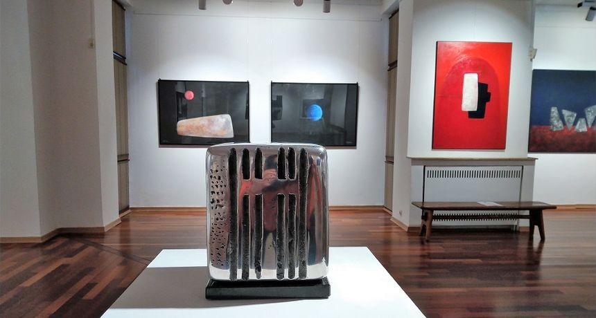 U Galeriji Vjekoslava Karasa od srijede izložba akademskog kipara Tomislava Ostoje - po prvi puta predstavlja se i slikama
