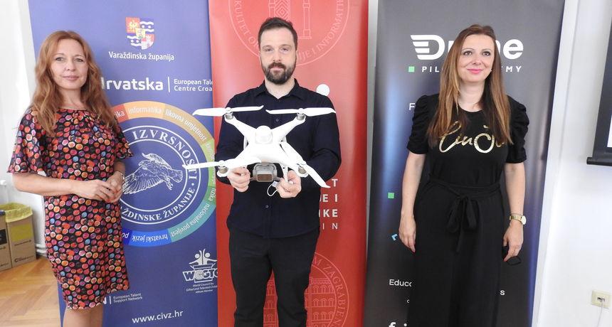 Fakultet organizacije i informatike i Varaždinska županija pokrenuli jedinstvenu radionicu za dronove