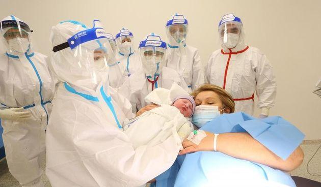 Trudnice oboljele od koronavirusa u opasnosti su od tromboze. Evo što se preporučuje za sprječavanje komplikacija