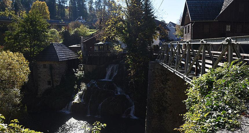 Grad Slunj želi graditi viseći most u Rastokama u projektu vrijednom 10 milijuna kuna, ali ima problem - vlasnici im ne žele prodati zemlju