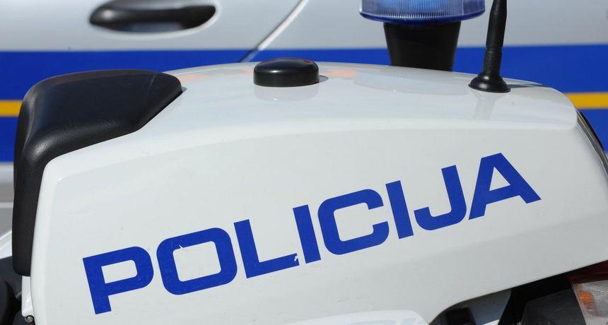 Detalji užasa u Splitu: Mehaničara usmrtio auto koji je popravljao, pao je na njega u radioni