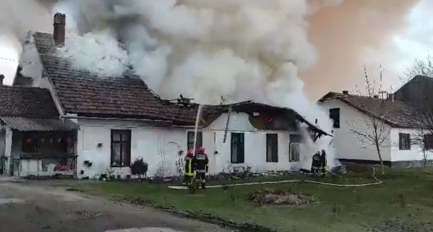 U požaru kuće smrtno stradala jedna osoba