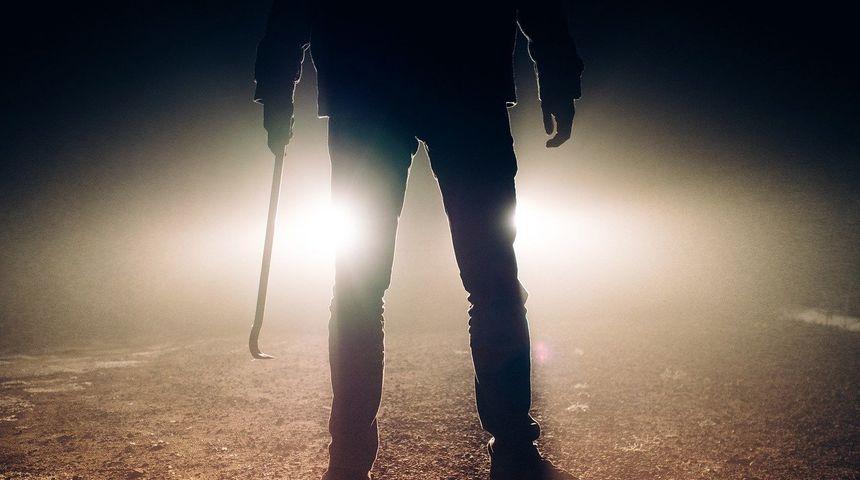 NAPAD U VIKENDICI Trojac u mrklo doba noći pretukao muškaraca!