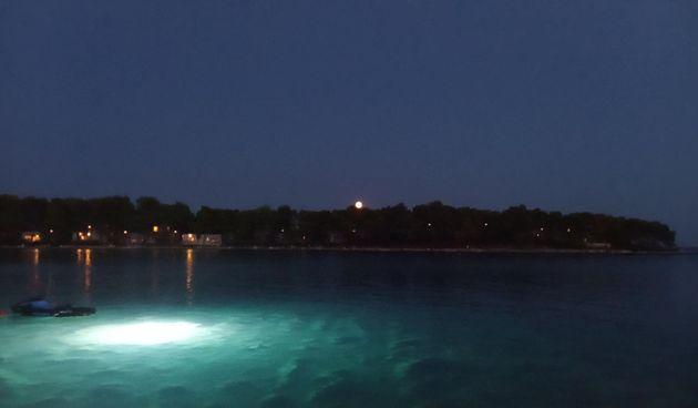Izlazaka punog mjeseca @ Crvena Luka (thumbnail)