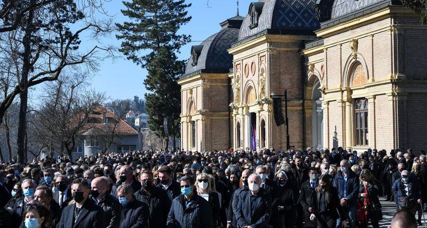ŽESTOKE REAKCIJE NAKON SPROVODA 'Danas se od svih hrvatskih građana ponovno radi idiote'