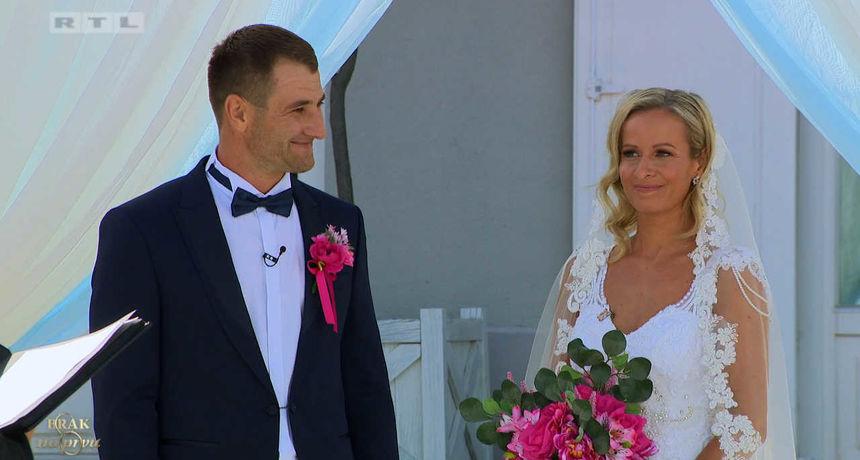 Izgledali su prekrasno, no odmah je bilo jasno da neće biti ništa od toga: Prisjetite se vjenčanja Nikoline i Adama iz 'Braka na prvu'