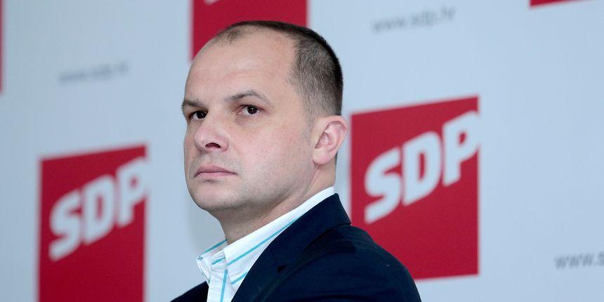 Potpredsjednik SDP-a na liječenju u bolnici: Pozlilo mu tijekom sjednice Glavnog odbora stranke koja je bila online
