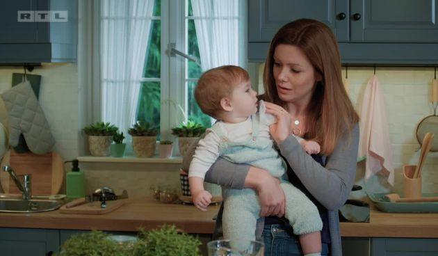 Ana je vrlo brižna majka, čak i prebrižna (thumbnail)
