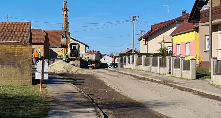 MURSKO SREDIŠĆE U četvrtak kreće asfaltiranje odvojaka ulica i pješačko biciklističke staze u Martinskoj ulici