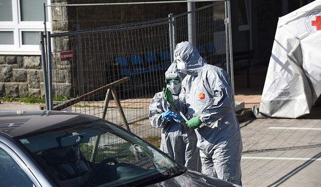 Testiranje na koronavirus sada i na parkingu ispred karlovačke bolnice