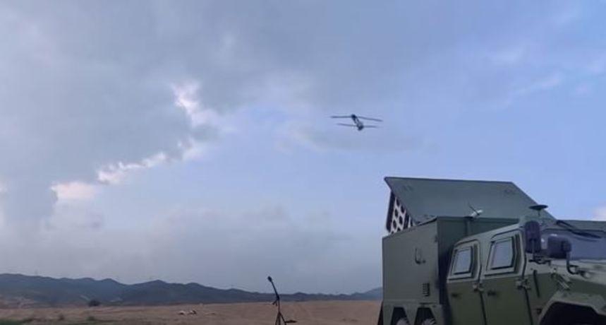 Zastrašujuće oružje: Kina objavila video samoubilačkih dronova u akciji