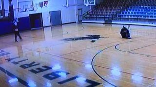 Snimala ga kamera, a da nije ni znao: Domar jedne škole postao hit na mrežama