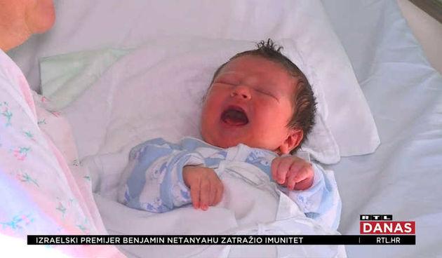 Nova pljuska demografskim mjerama: Broj rođenih ponovno pada (thumbnail)