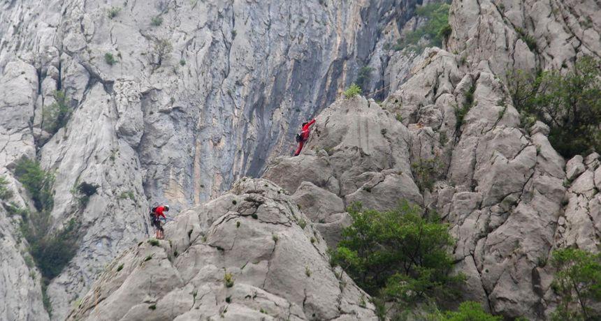 Pao sa stijene visoke 300 metara u NP Paklenica i poginuo
