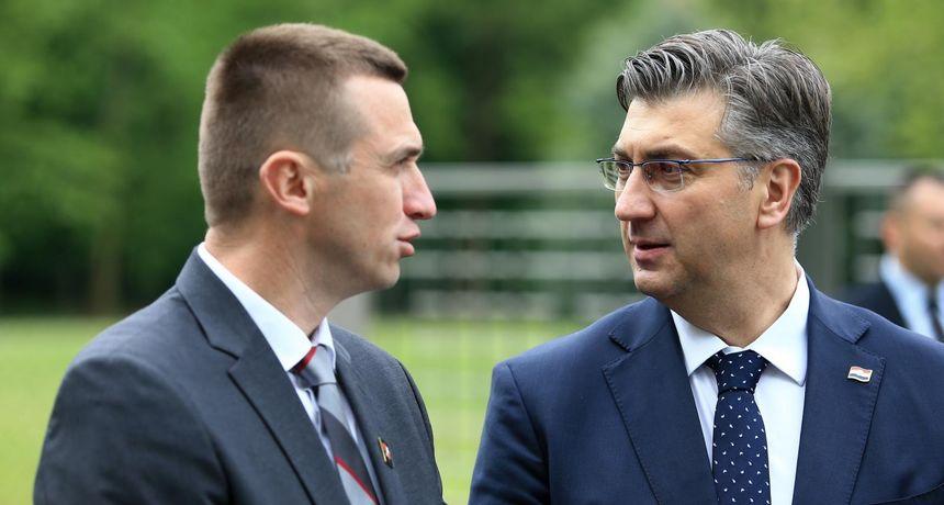 Penava 'opalio' po bivšem šefu: 'Premijer i članovi Stožera grubo se poigravaju državom i zdravljem građana'