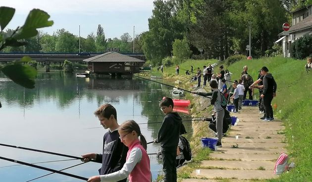 Mala škola ribolova u Dugoj Resi okupila 38 polaznika - sljedeći susret malih ribiča već za dva tjedna