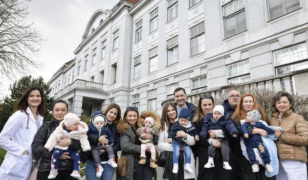 Upoznajte rodilje i bebe koje su za vrijeme potresa bile u Petrovoj